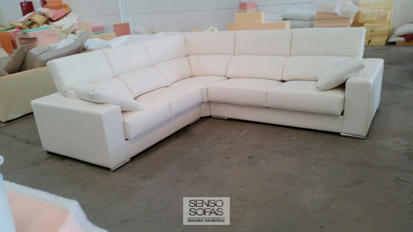 Sofa rinconera gaudi for Liquidacion sofas barcelona