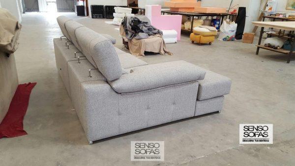 sofá modelo éxodo gris detalle